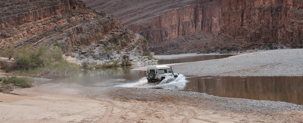 water landrover